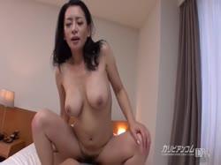 Чувак снимает порно с грудастой азиаткой от первого лица 3