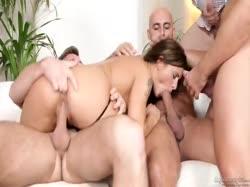 Сисястую девушку в униформе трахают четыре мужика